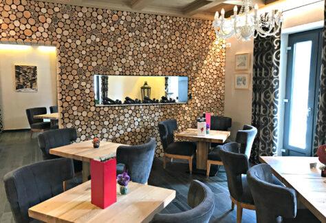 Hotel-National-Champéry-breakfast-room
