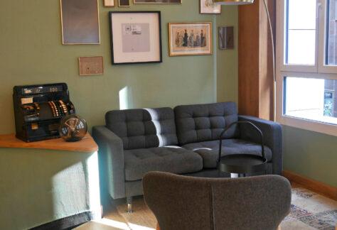 Loxton-seating