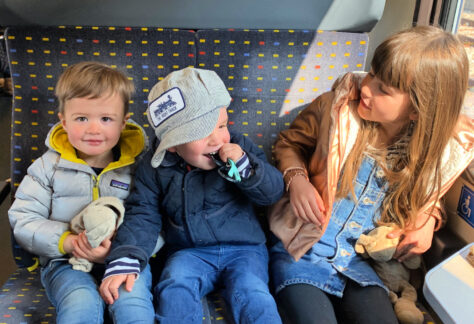 kids-on-the-train