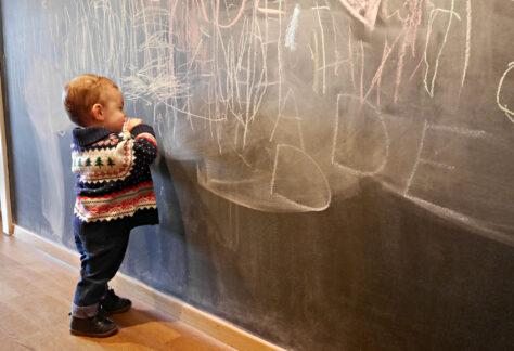 Chalet-des-Enfants_Chalkboard-Wall