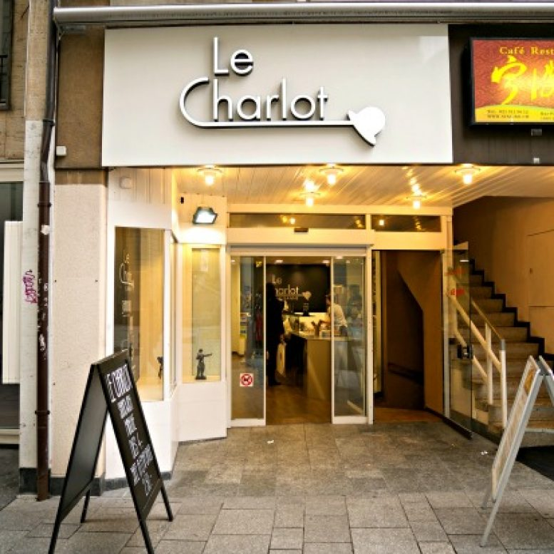Le Charlot Front