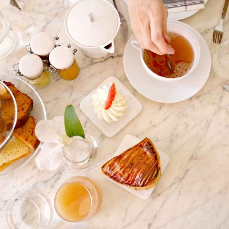 romain-c-tea-time-stir